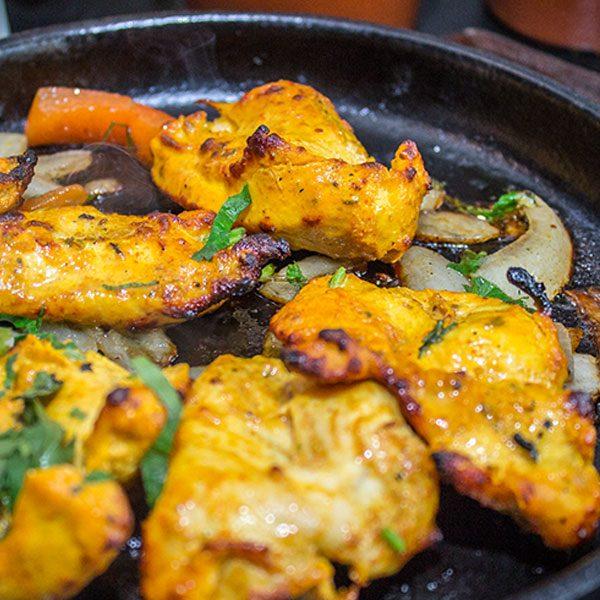 Ronaq-Restaurant-provides-the-best-Indian-style-Chicken-Tikka